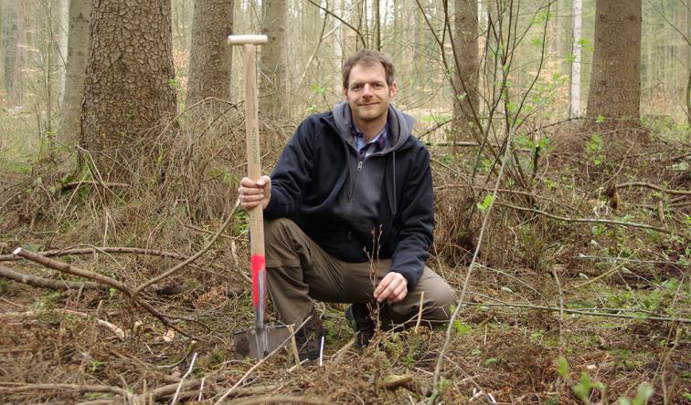 Ein fleißiger Helfer unserer Baumpflanzaktion